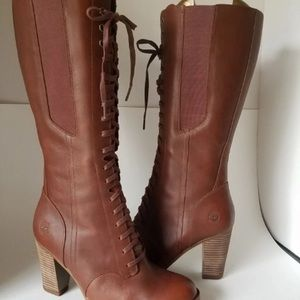 NWOT Timberland Brown Leather Heeled Boots